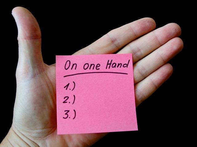 hand-859521_640