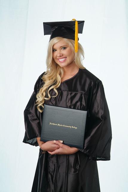 graduate-702997_640
