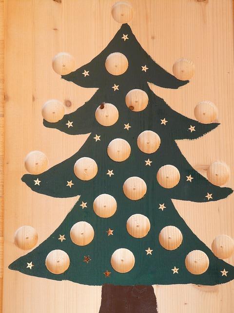 christmas-tree-80583_640