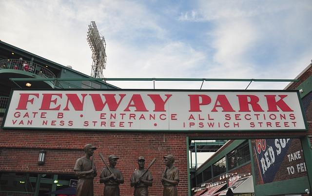 fenway_park_boston-89575_640