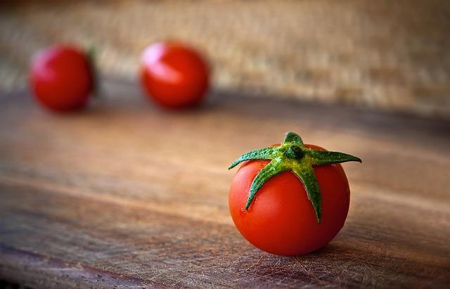 tomato-1205699_640