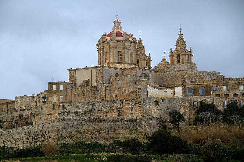 800px-St_Pauls_Cathedral_Mdina_1_(6942158841)