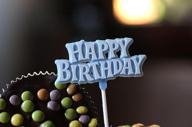 feliz cumpleaños - happy birthday