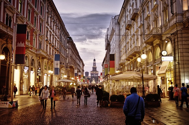 milano-centro città-strada