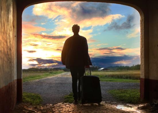 viaggio-viaggiare-scoperta-valigia