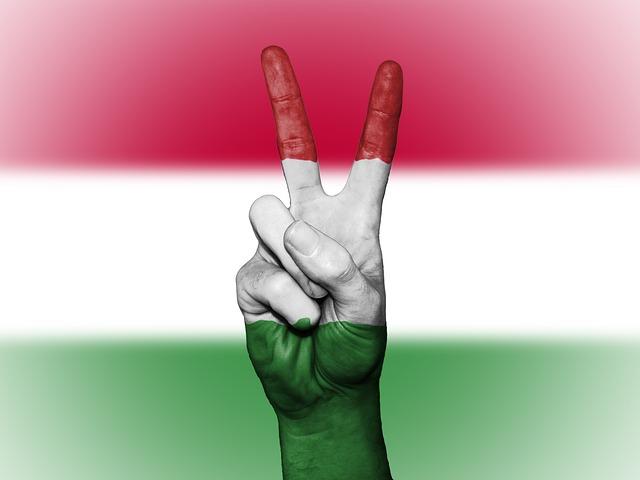 ungheria-bandiera